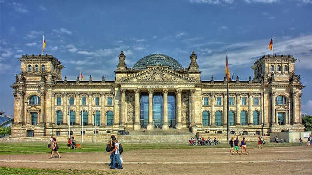 превод и легализация на документи за работа в Германия